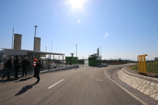 The landfill gas power plant, situated on the rehabilitated landfill site Viševac