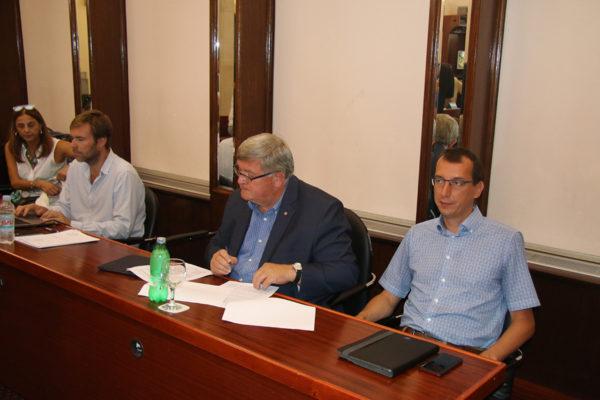 Il sindaco Obersnel con i propri collaboratori