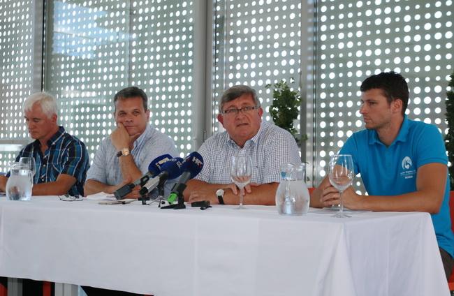 Ravnatelj Studentskog centra Dinko Jurveć, rektor Pero Lučin, gradonačelnik Vojko Obersnel i glavni tajnik ESI Marko Žunić