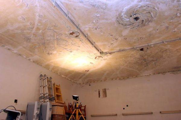 Upravna zgrada bivše rafinerije šećera u Rijeci krije bogate ukrašene štukature i prekrasne freske 2