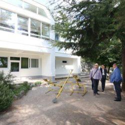 Nova fasada, nova vanjska stolarija i novi krov DV Turnić