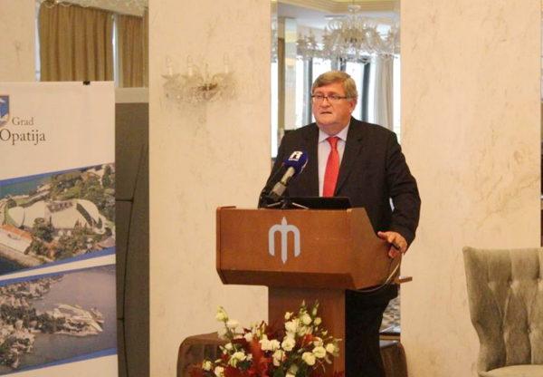 Invest forum u Opatiji otvorio je riječki gradonačelnik Vojko Obersnel