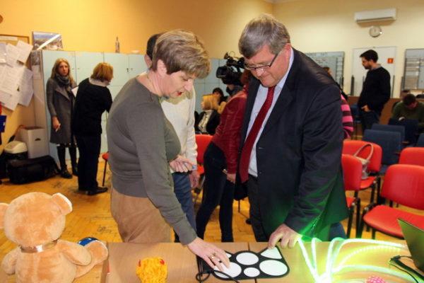 Gradonačelnik Vojko Obersnel i koordinatorica projekta Olga Jukić