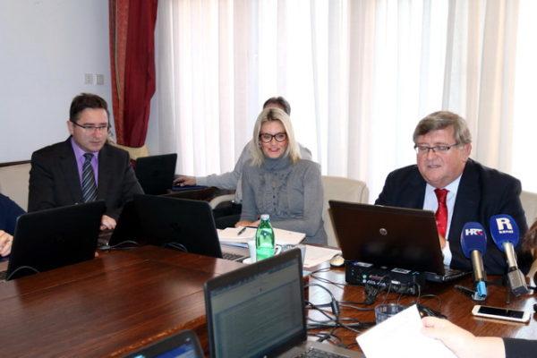 Gradonačelnik Vojko Obersnel istaknuo je da je broj korisnika socijalnog programa u Rijeci znatno veći od prosjeka Republike Hrvatske