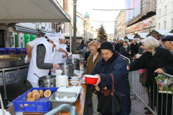 Na Gastrofešti je podijeljeno oko 4000 porcija friganih ribica, 3000 porcija bakalara na gulaš, 3500 čaša crnoga vina te oko 50 kg fritula.
