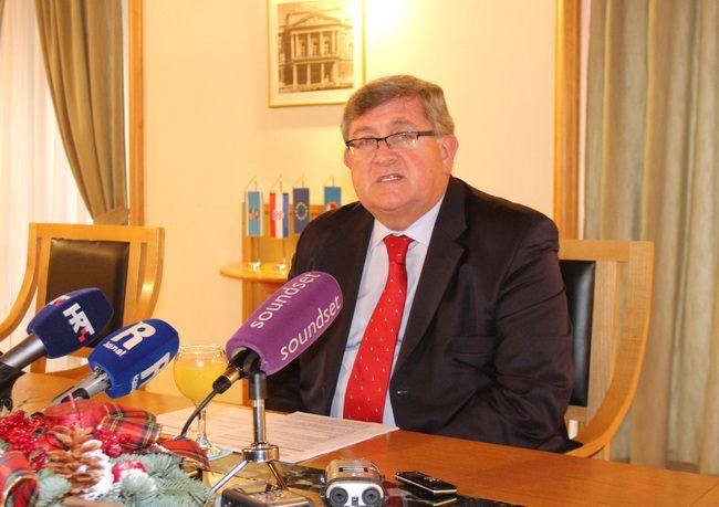 Vojko Obersnel na redovnoj konferenciji za medije
