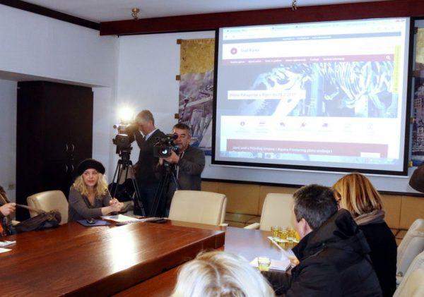 Voditeljica Službe za odnose s medijima i online komuniciranje Lea Stoiljković Medved
