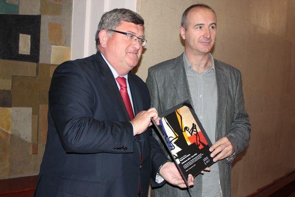 Nagradu je uručio gradonačelnik Vojko Obersnel