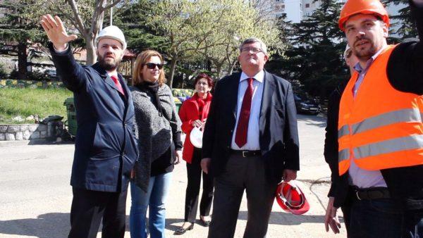 Gradonačelnik Vojko Obersnel, Sanda Sušanj i Vladimir Benac na gradilištu novog Vrtića Morčić