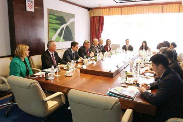 Kineskom izaslanstvu predstavljene su razvojne mogućnosti i investicijski projekti Grada Rijeke