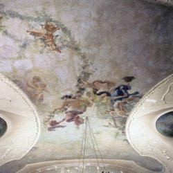 Upravna zgrada - oslikani strop sa štukaturom