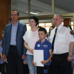 U ime OŠ Srdoči, prvu nagradu u literarnoj kategoriji za mlađe učenike preuzela je učiteljica Tea Kraljić