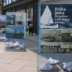 """Izložba """"Krčka jedra – 20 godina tradicijskog jedrenja"""""""