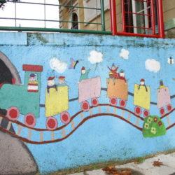Oživjeli zidovi dvorišta