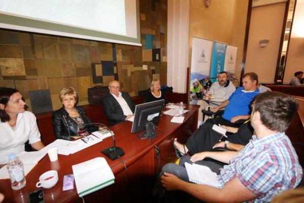 Prioriteti prvo raspravljeni u malim grupama
