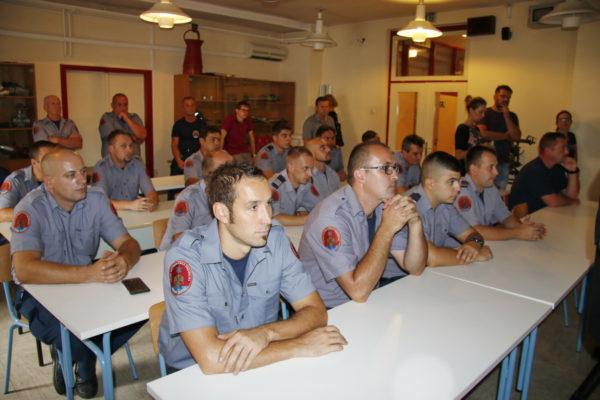 Riječki vatrogasci sudjelovali u gašenju požara u Dalmaciji i na Velebitu