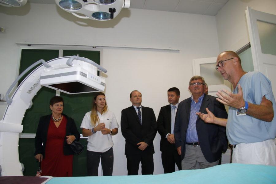 Predaja rtg uređaja bolnici Kantrida