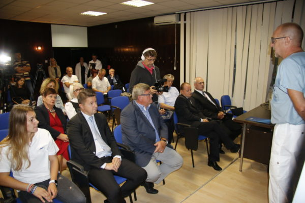 Predaja rtg uređaja bolnici Kantrida prisustovali predstavnici KBC-a, Grada Rijeke i INA-e