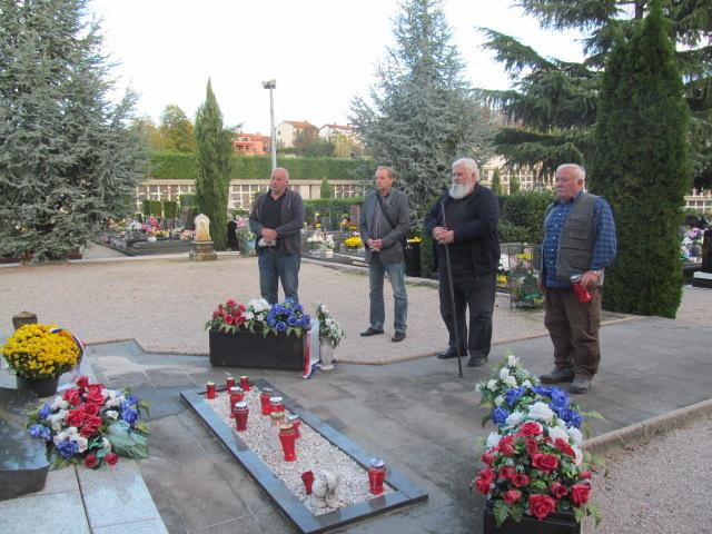 Obilazak groblje Viškovo