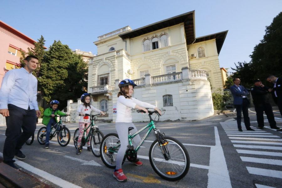 Najavljeni novi prometni projekti u Domu mladih