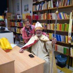 Doček Sv. Nikole- MO Vojak- Sv. Nikola i voditeljica