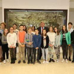 Učenici OŠ Nikola Tesla kod gradonačelnika