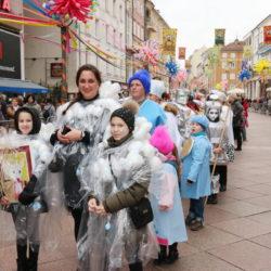 U povorci sudjeluje 67 karnevalskih grupa