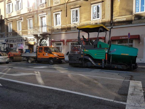 Sanacija kolnika u Adamićevoj ulici