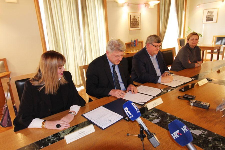 Potpisivanje ugovora za Građanski odgoj s Primorsko-goranskom županijom