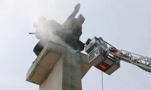 Čišćenje spomenika na Delti