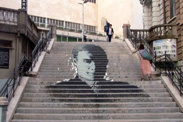 Stepenica prema HKD-u oslikane portretom arhitekta Josipa Pičmana