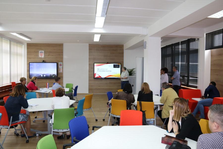 U OŠ Gornja Vežica otvoren regionalni informatički obrazovni centar