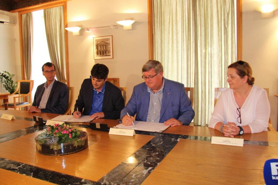 Potpisivanje sporazuma o suradnji na provedbi Građanskog odgoja i obrazovanja s Gradom Labinom