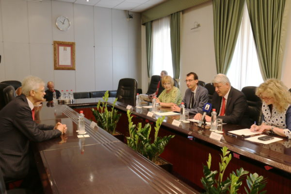 Novog turskog veleposlanika Babüra Hızlana primili su župan Komadina i zamjenik riječkog gradonačelnika Filipović