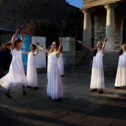 Nastup plesne skupine Ri Dance