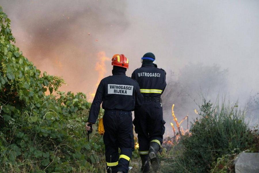 Vatrogasci (foto: Vatrogasna zajednica PGŽ)