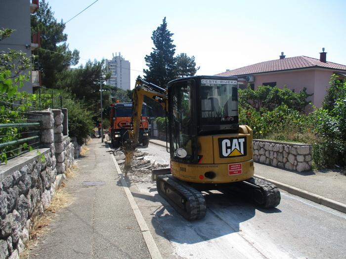 mala ulica a veliki radovi