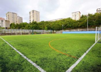 Nogometno igralište Robert Komen