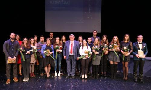 Ugovore o stipendiranju potpisalo 69 riječkih učenika i studenata