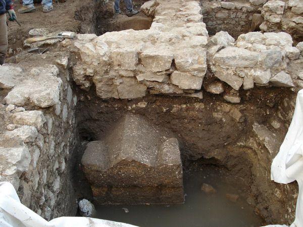 Otkriven sarkofag na području Trga pul Vele crikve