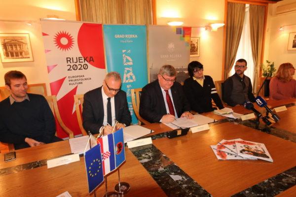 Ugovor su potpisali riječki gradonačelnik Vojko Obersnel i član Uprave tvrtke ING-GRAD Srđan Jončić
