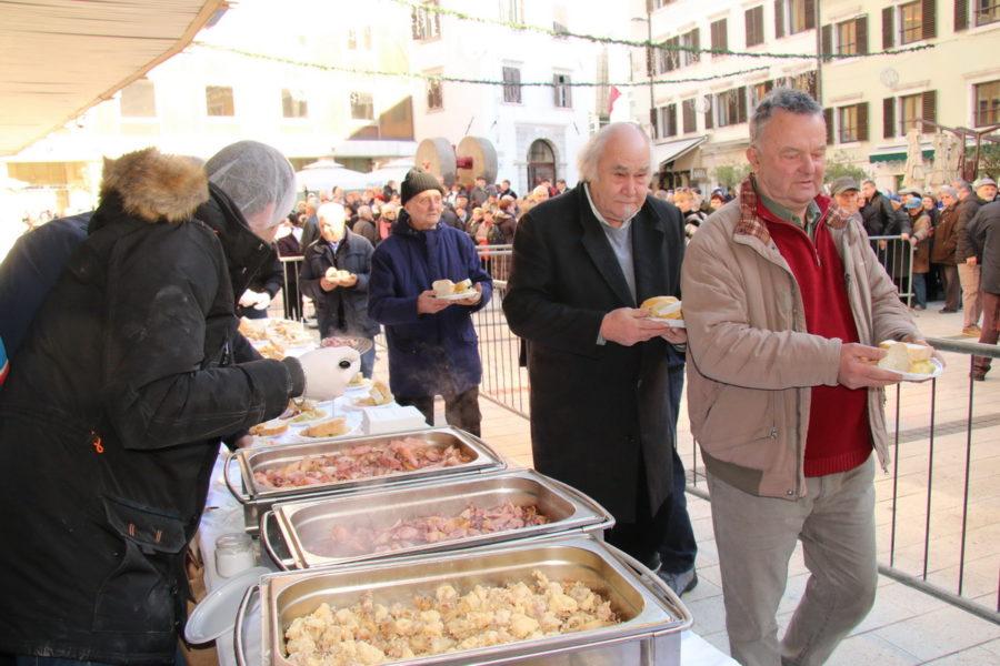Proslava Badnjaka prema Julijanskom kalendaru