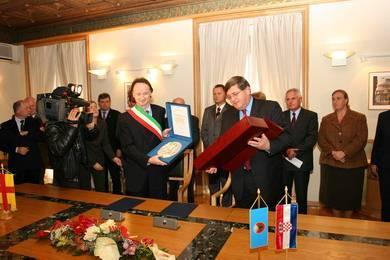Sporazumum o bratimljenju Rijeke i Este