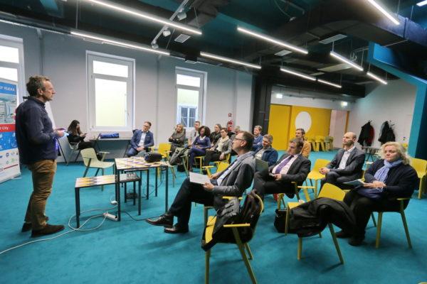 Stručnjak za inovacije, kreativnost i poduzetništvo iz Bruxellesa Alain Heureux predstavio je metodologiju koja spaja dizajnersko i sustavno razmišljanje