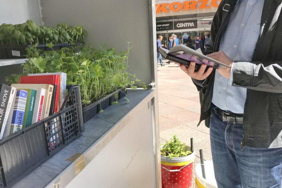 Jednu knjigu odvoji, povrće na balkonu uzgoji