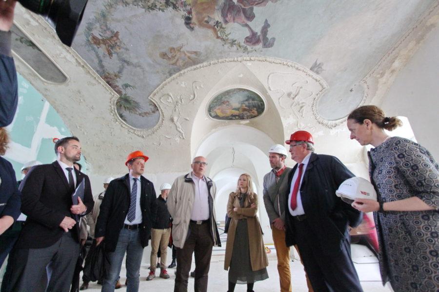 Ministrica kulture u obilasku kompleksa Benčić 1