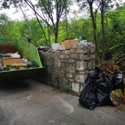 Volonterska eko akcija čišćenja budućeg parka na Kantridi