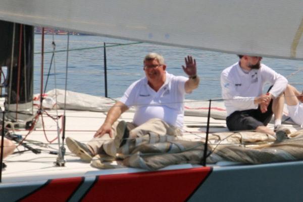 """Gradonačelnik Obersnel član posade broda Molo longo """"Tutta Trieste"""", koji je osvojio treće mjesto"""