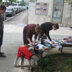 mladi autori slikaju u Verdievoj ulici