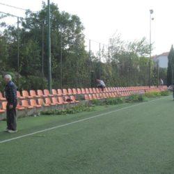 Orezivanje zelenila na nogometnom terenu - MO Grbci 2019.